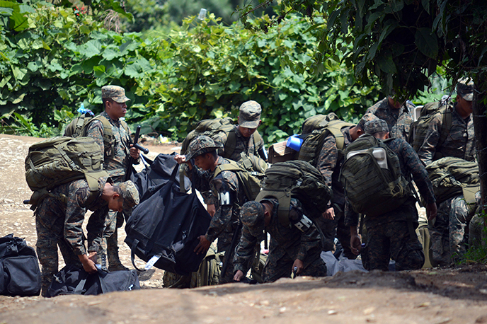 Military presence in San Juan Sacatepéquez. Photo by Prensa Comunitaria.